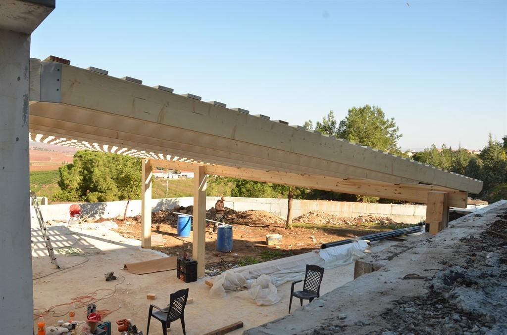 בניית פרגולת עץ